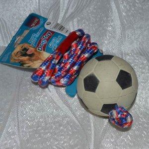 Мяч цельнорезиновый диаметром 6 см на веревке 100 см